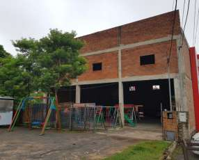 Show room-vivienda-deposito zona mariano