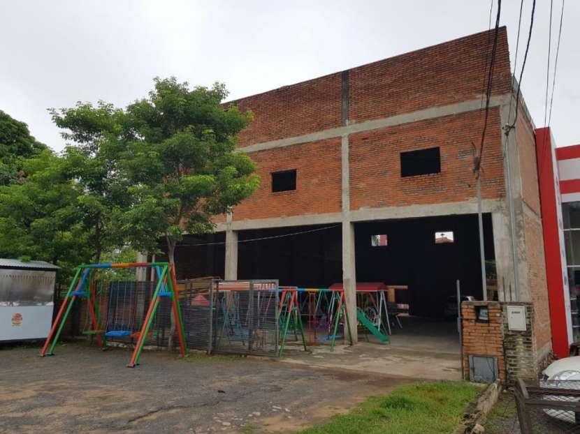 Show room-vivienda-deposito zona mariano - 0