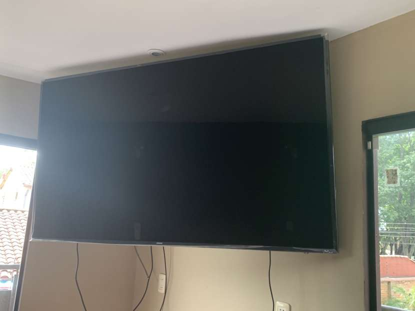 TV Samsung UHD de 75 pulgadas - 0