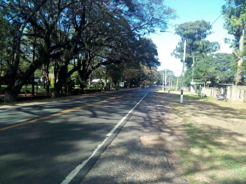 Terrenos en Areguá detrás de Gobernación de Central - 0