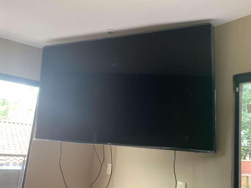 TV Samsung UHD de 75 pulgadas - 1