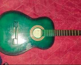 Guitarra color verde