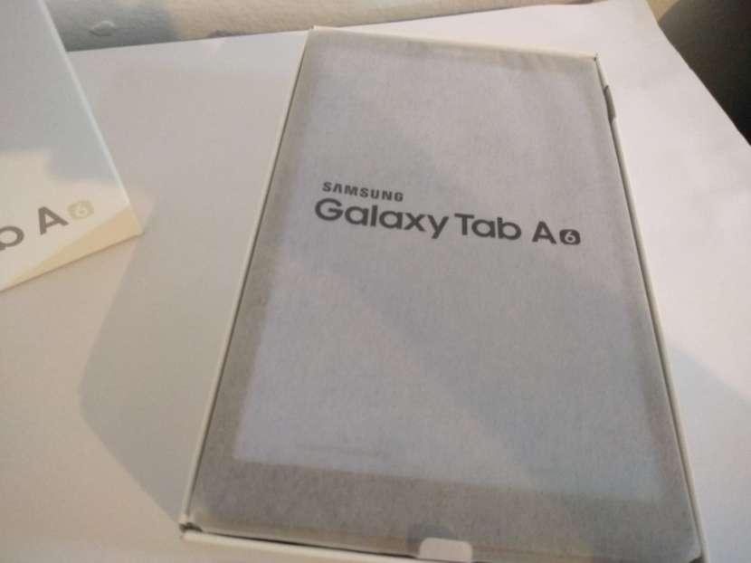 Tablet Samsung Galaxy Tab A6 SM-T585 32GB - 1