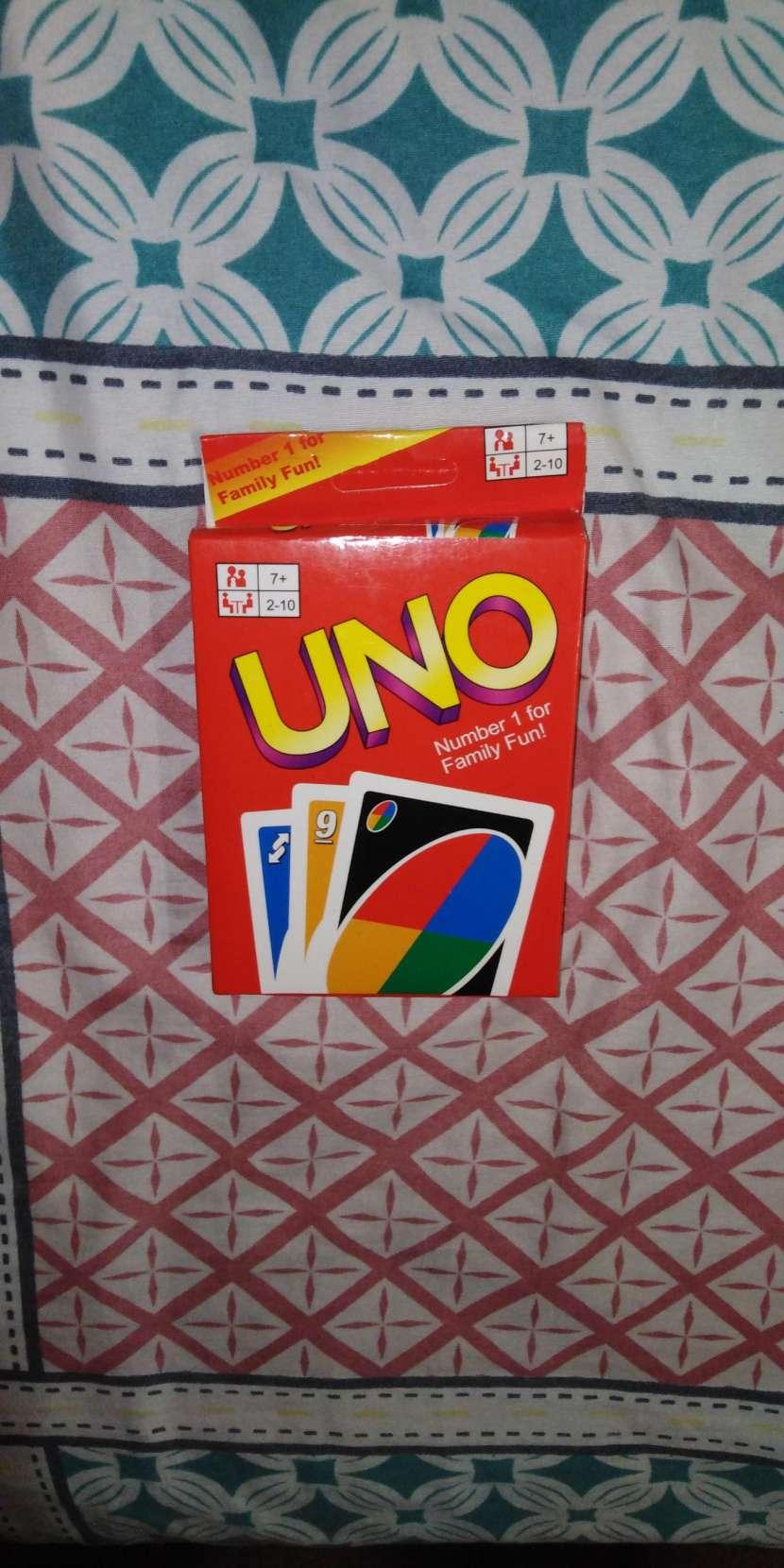 Juego de cartas UNO - 0