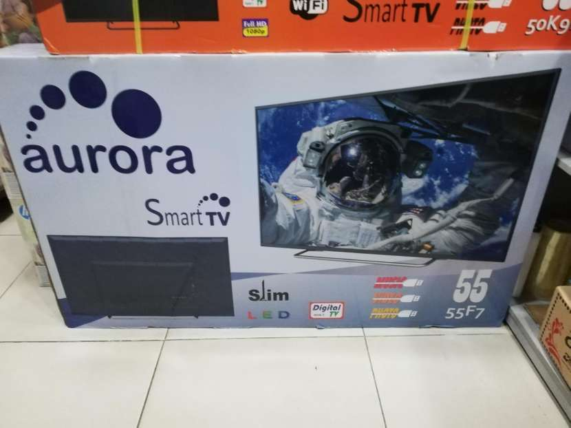 TV Aurora 55 pulgadas Smart Ultra HD - 0
