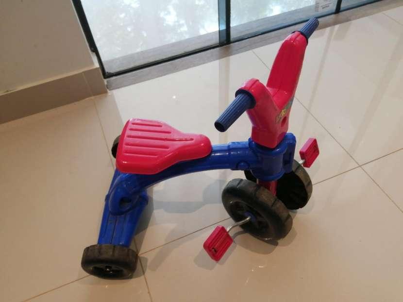 Motito tipo triciclo - 0