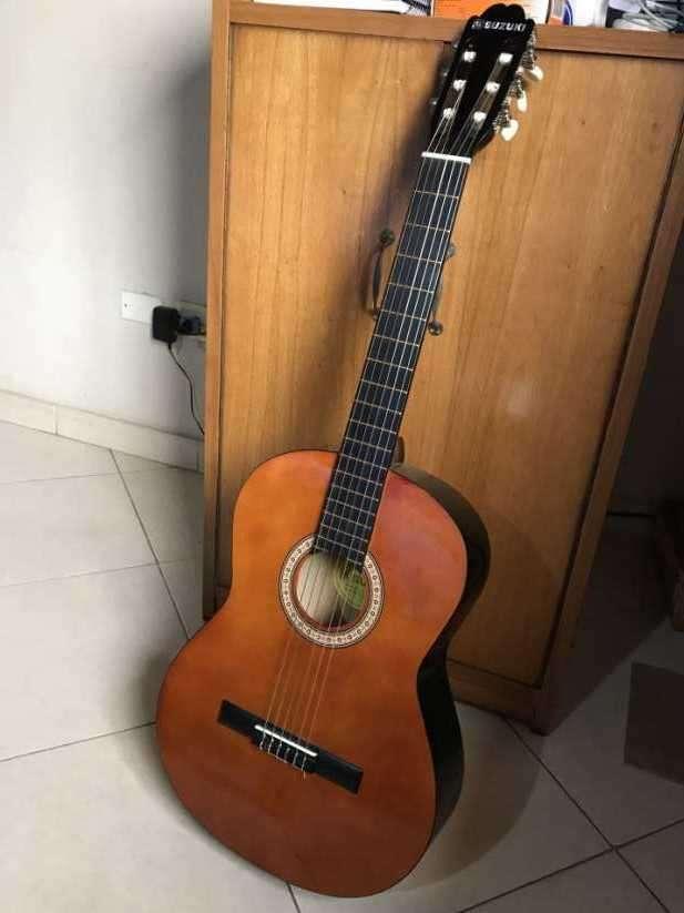 Guitarra Suzuki - 0