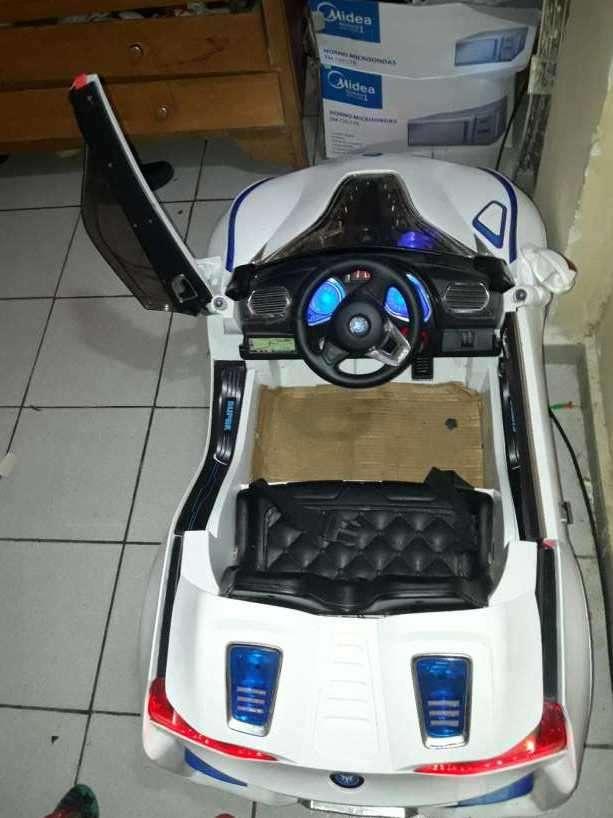 Auto a batería con cargador - 4