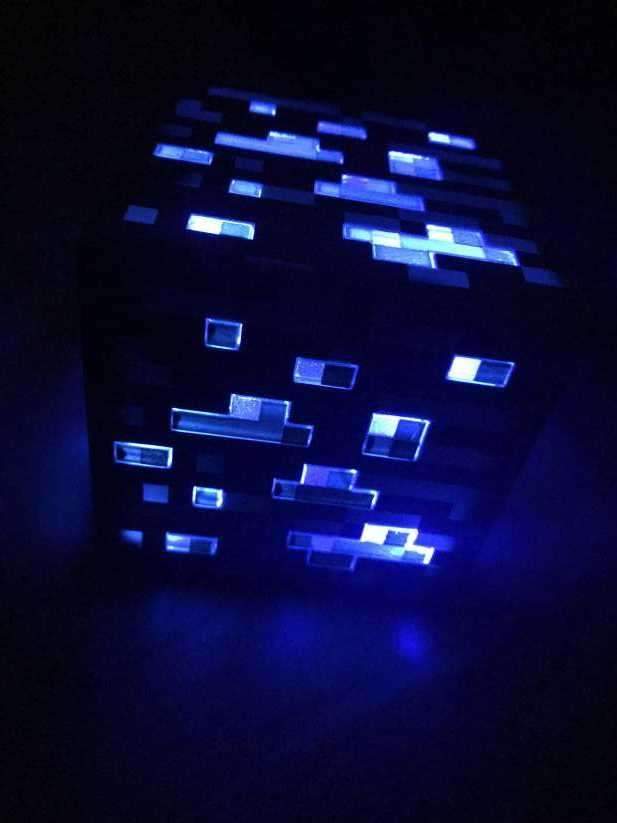 Bloque de diamante del juego minecraft - 1