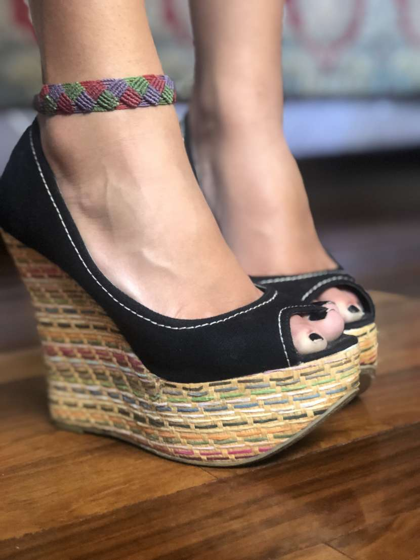 Sandalia negra - 0