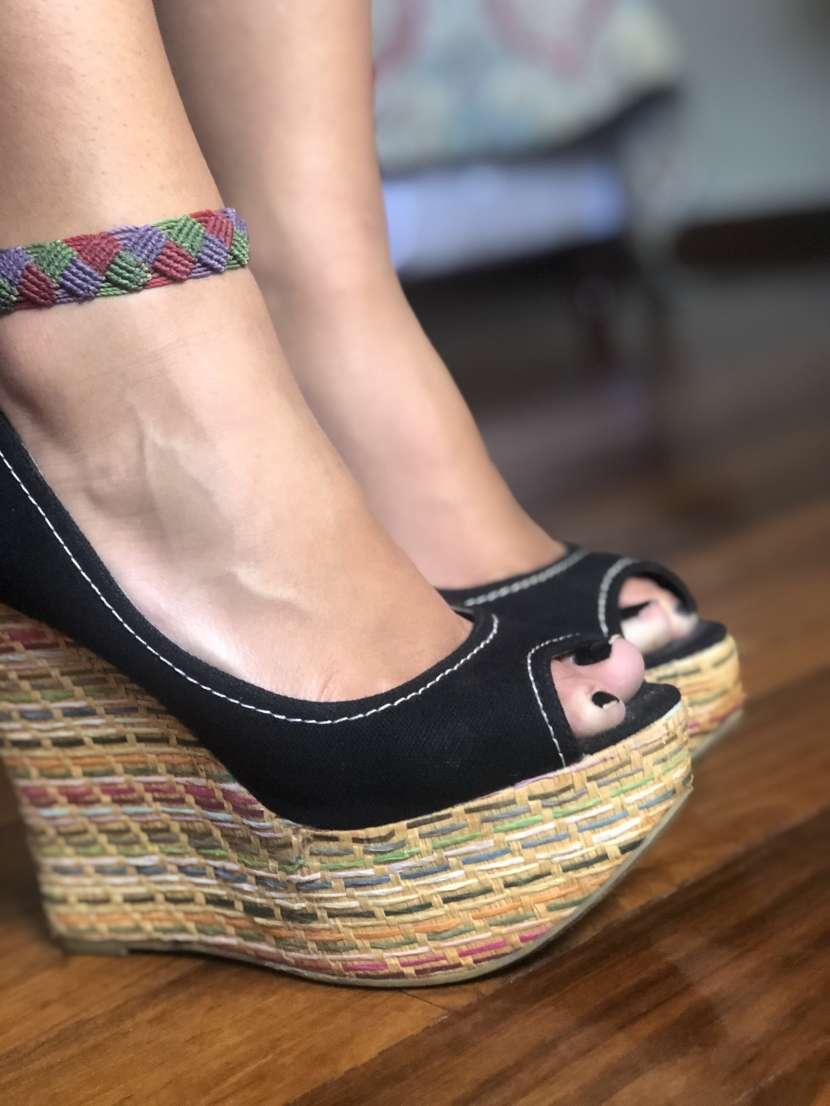 Sandalia negra - 1