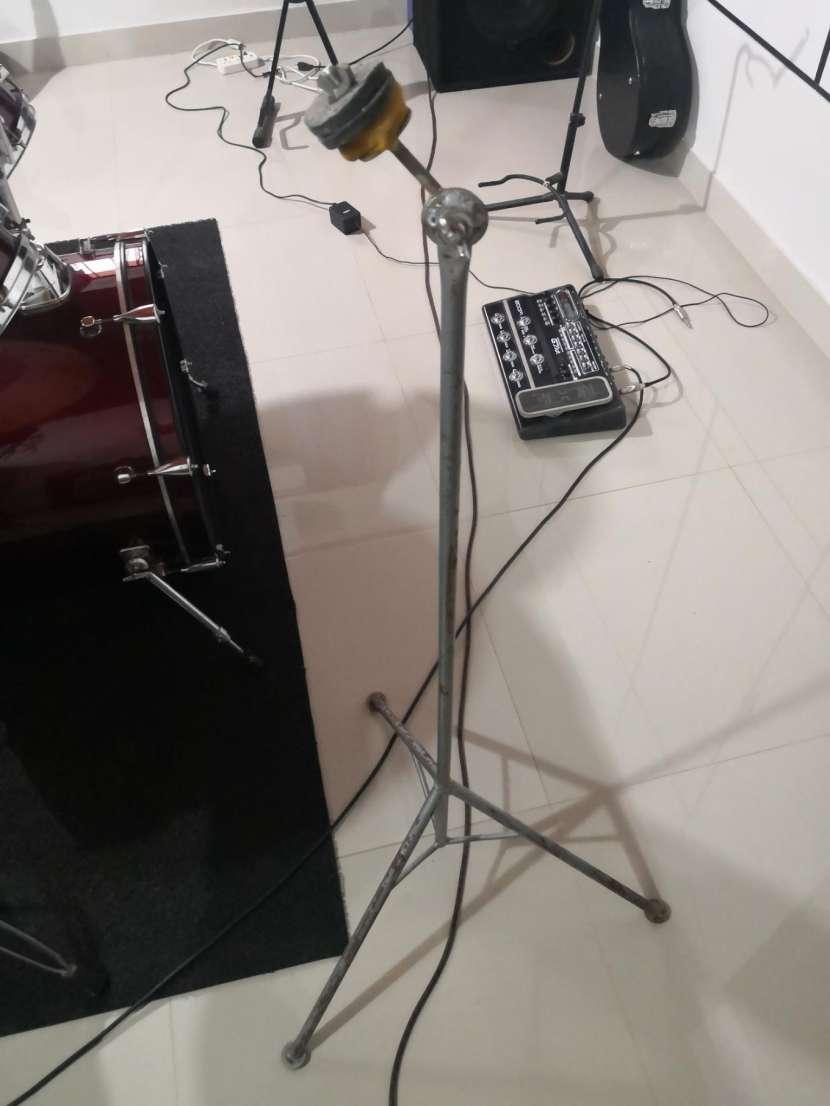 Banquito para batería - 1