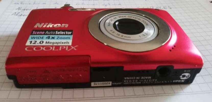 Cámara digital compacta COOLPIX S2500 de Nikon - 4