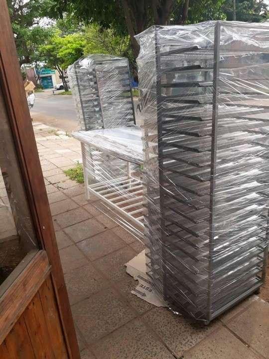 Mesas de acero moldes bandejas carros cortamigas - 4