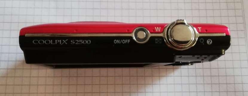 Cámara digital compacta COOLPIX S2500 de Nikon - 2