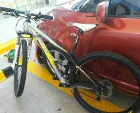 Bicicleta MTB Giant aro 29
