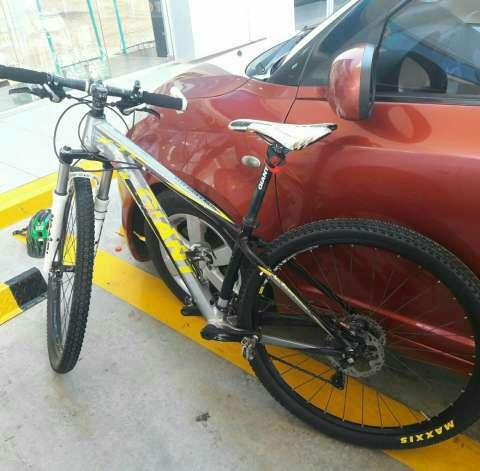 Bicicleta MTB Giant aro 29 - 0