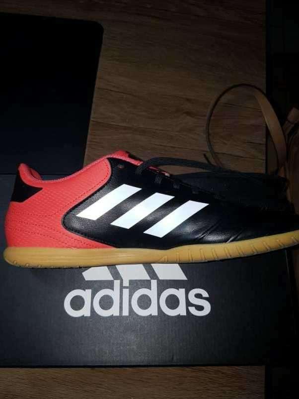 Calzado Adidas deportivo para futsal nuevo - 2