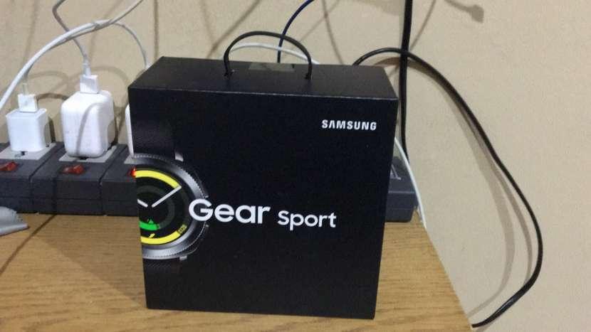 Samsung Gear Sport - 0