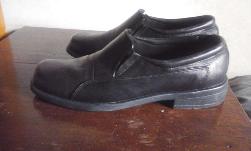Zapato de vestir negro - 2