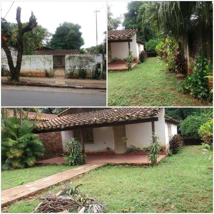 Casa a demoler en Asunción Barrio Herrera A1574 - 0