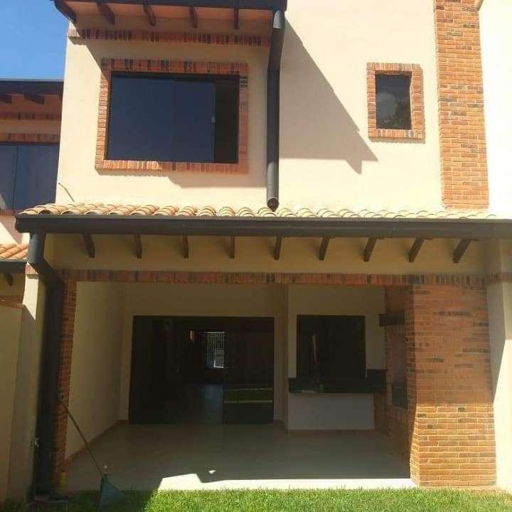 Duplex a estrenar en Fernando de la Mora zona Norte A1575 - 1