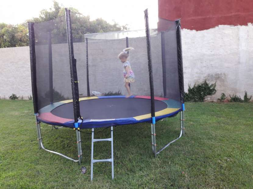 Cama elástica mediana de 3 metros de diámetro