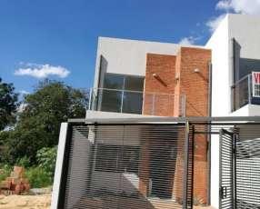 Duplex a estrenar en Fernando de la Mora A1576