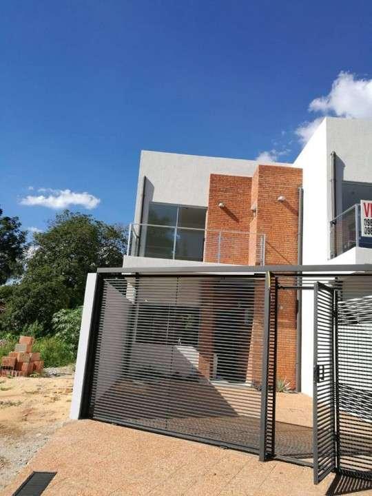 Duplex a estrenar en Fernando de la Mora A1576 - 0