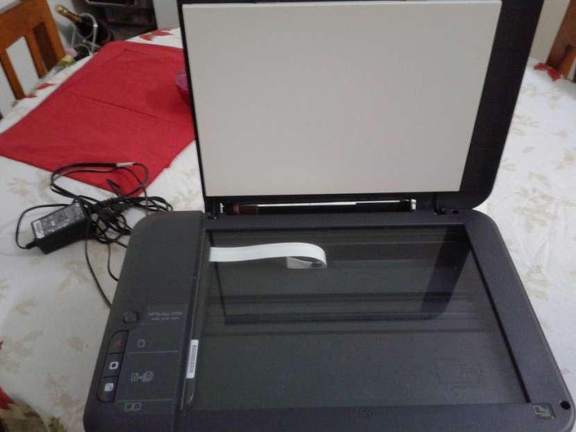 Impresora HP Deskjet 2050 Multifunción - 2