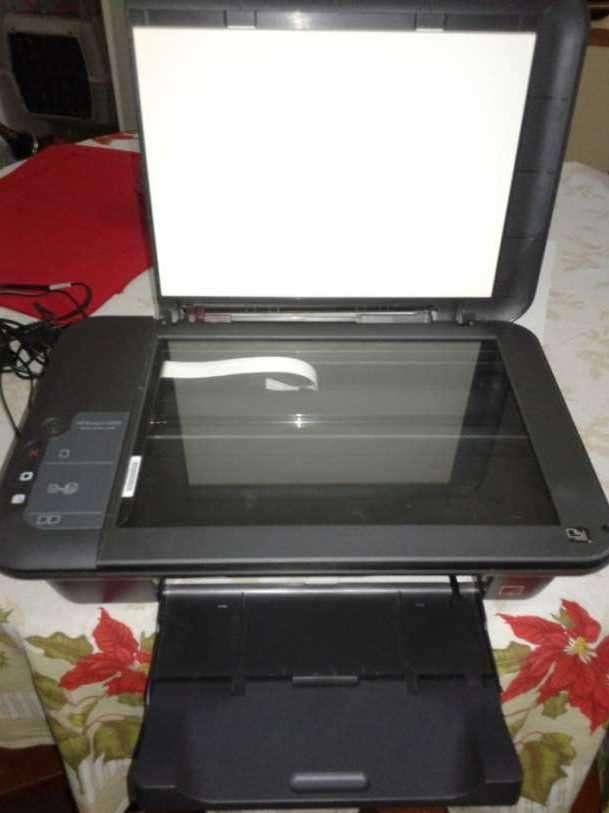 Impresora HP Deskjet 2050 Multifunción - 3