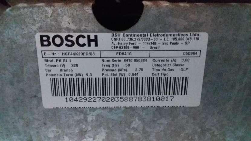 Cocina Bosch 4 hornallas a gas con horno eléctrico - 1