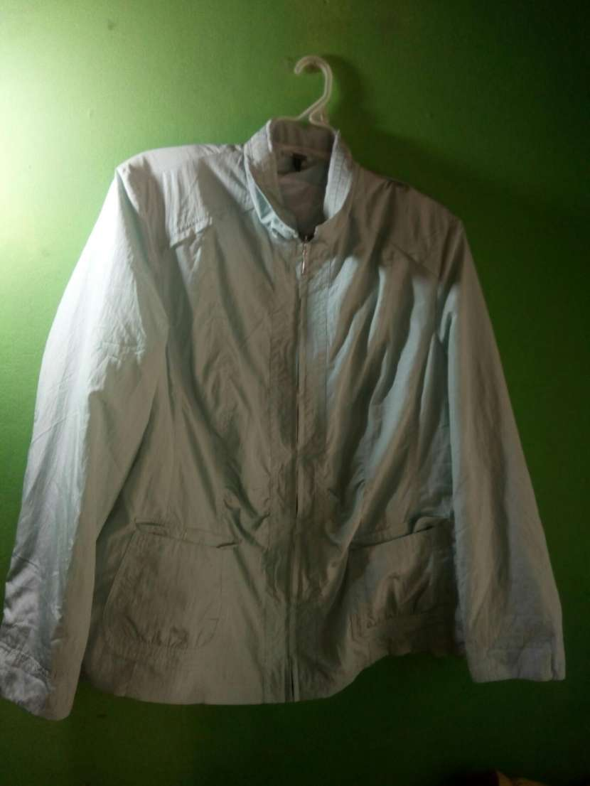 Caja de ropas europeas - 7