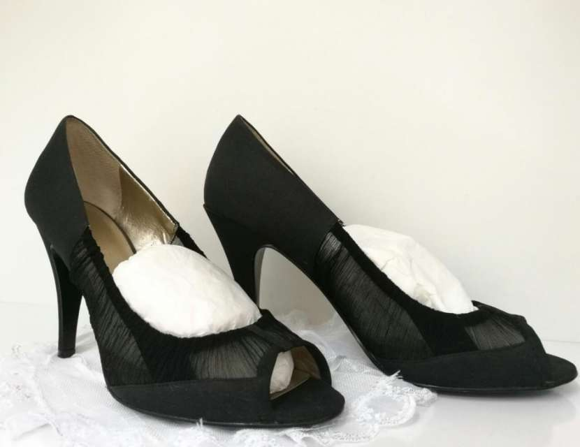 Calzado negro elegante - 0