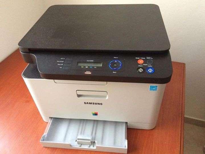 Impresora Multifuncion Láser Color Samsung CLX-3305 - 0