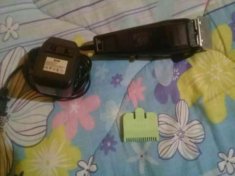 Máquina de cortar cabello WAHL 110~220V - 0