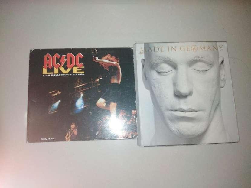 Discos de Rammstein y AC DC