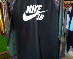 Nike Dri Fit Manga Larga Mediano