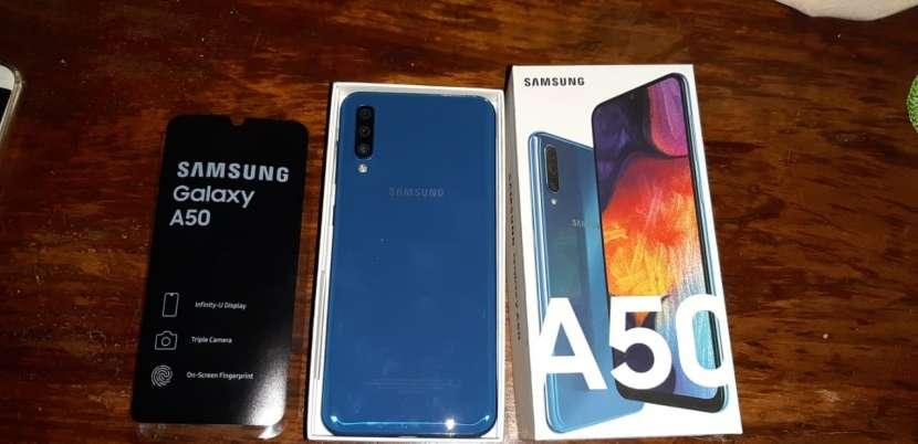 Samsung Galaxy A50 - 1