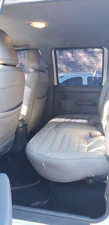 Nissan Frontier 2013 blanco - 6