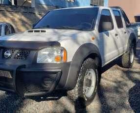 Nissan Frontier 2013 blanco