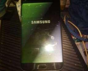 Samsung Galaxy S7 Edge con la pantalla rota