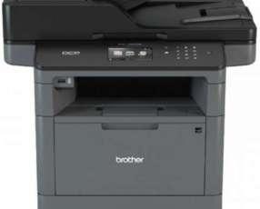 Fotocopiadora multifuncional láser brother