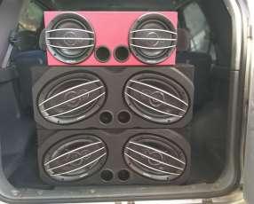 Cajas acústicas con parlantes ovalados