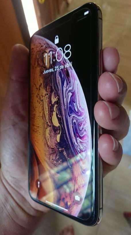 iPhone XS de 64 gb impecable