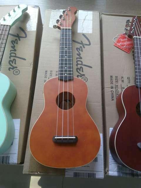 Ukelele Fender - 1