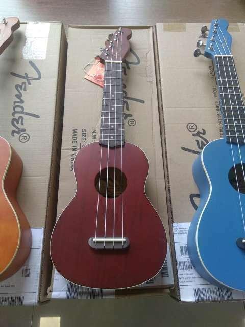 Ukelele Fender - 3
