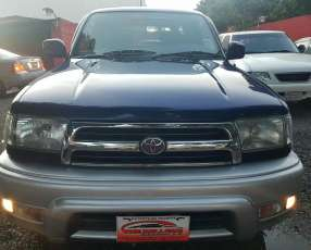Toyota Hilux surf tipo Runner auxilio abajo 2000