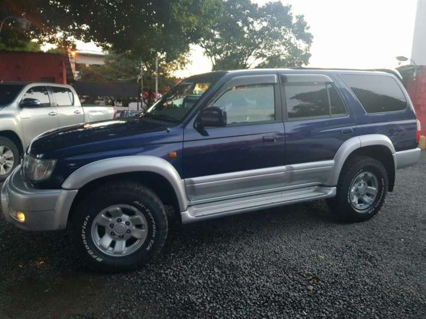 Toyota Hilux surf tipo Runner auxilio abajo 2000 - 2