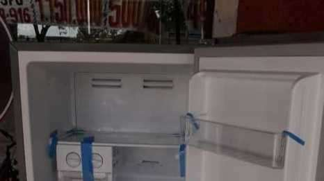 Heladera Goodweather de 430 litros frío seco - 3